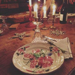 x-mas table with x-mas pudding